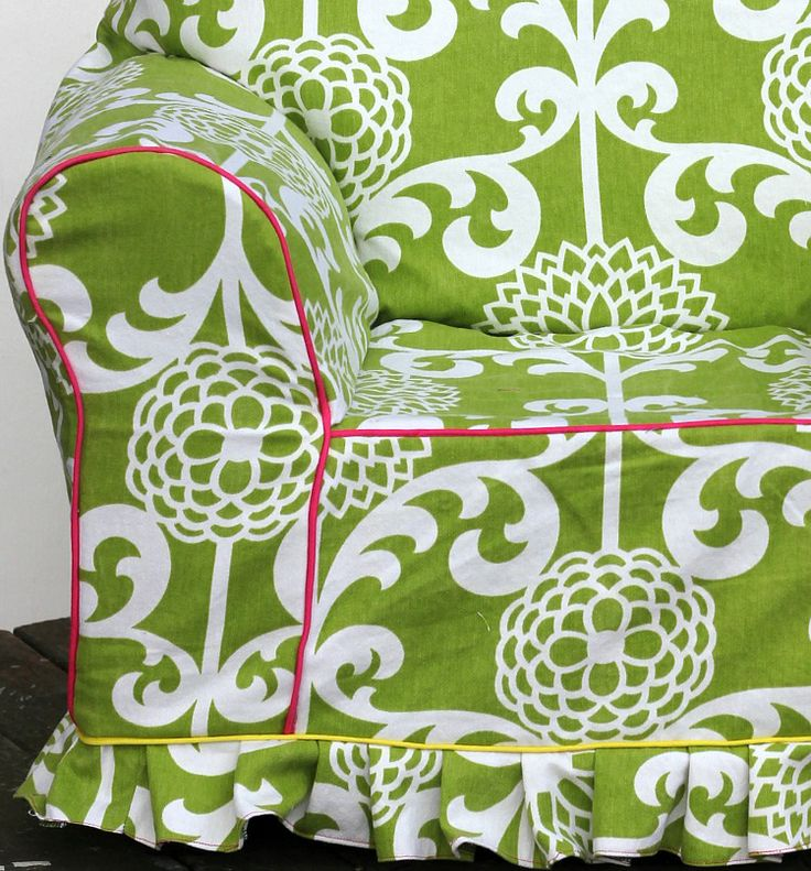 armchair slipcover tutorial-perfect way to update an old chair of mine that desperately needs a new look. Not in this fabric though