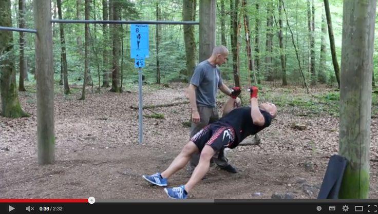 Rudern an einem Sling Trainer nach dem Prinzip des Negativtrainings. Schon ausprobiert? Wir freuen uns, wenn Ihr eure Erfahrungen mit uns teilt!  http://personal-trainer-ausbildungen.de/negativtraining-der-praxis-3-rudern/  #fitness #pta #personal #trainer #training #workout #negativ #steve #maxwell #kraft #power #muskel #rudern #rowing