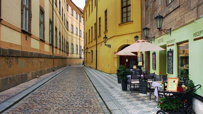 Strada in Praga O vacanta in Praga in imagini - galerie foto. Vezi mai multe poze pe www.ghiduri-turistice.info