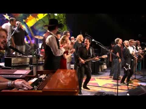 Ringo Starr 70th Birthday Party at the Ryman -. With A Little Help From My Friends / Give..