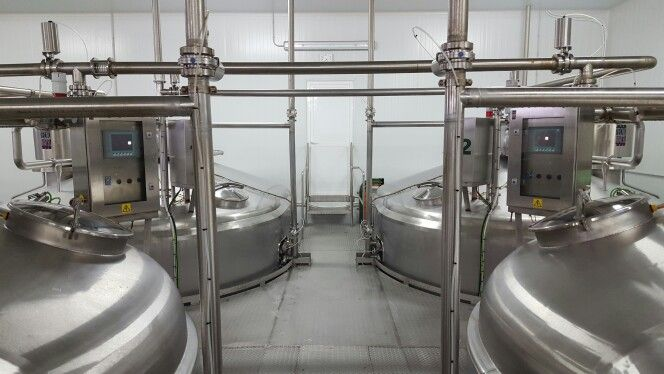 Cubas de cuajar de queso automatizadas de 17.000 litros y 15.000 litros
