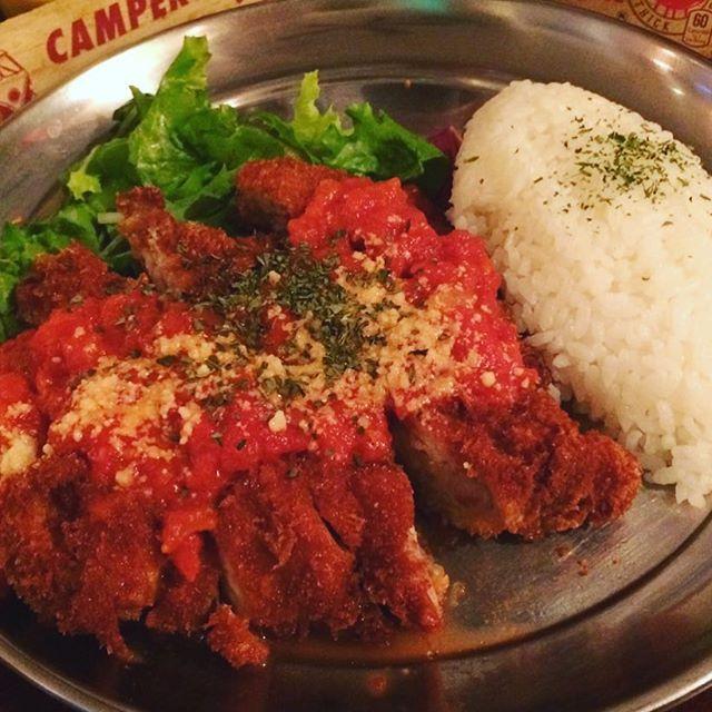 今週の月曜〜金曜の平日限定、週替わりランチは「チキンカツレツ」です!! . 数量限定なのでお早めに♪ . #ステーキアンドジントニック#STEAK&GINTONIC#ステーキ#steak#ジントニック#gintonic#新宿#Shinjuku#ランチ#lunch#肉#平日限定#週替わり#数量限定#肉女子会#記念日#貸切#beefeater#サントリー