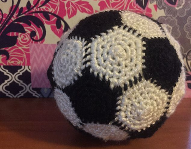 Amigurumi Soccer Ball Pattern : 1000+ ideas about Soccer Ball Crafts on Pinterest Soccer ...