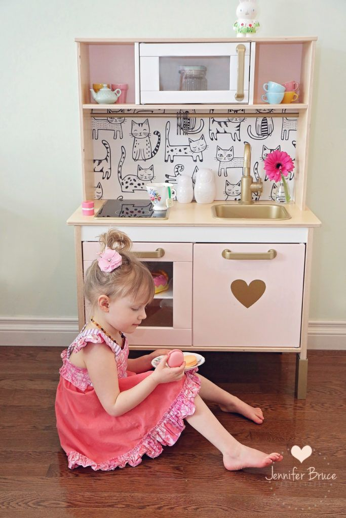 Ikea hack - duktig play kitchen http://smallhousediy.com/category/playhouse-construction/