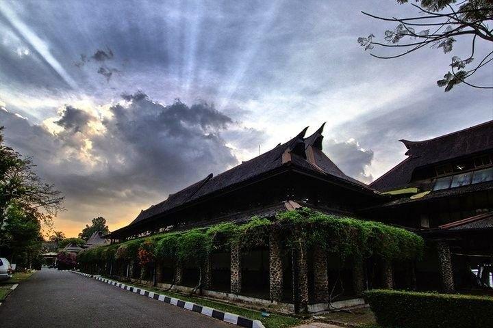 The sun's rays! Brilliant!  Bandung, Indonesia   #Eyeem