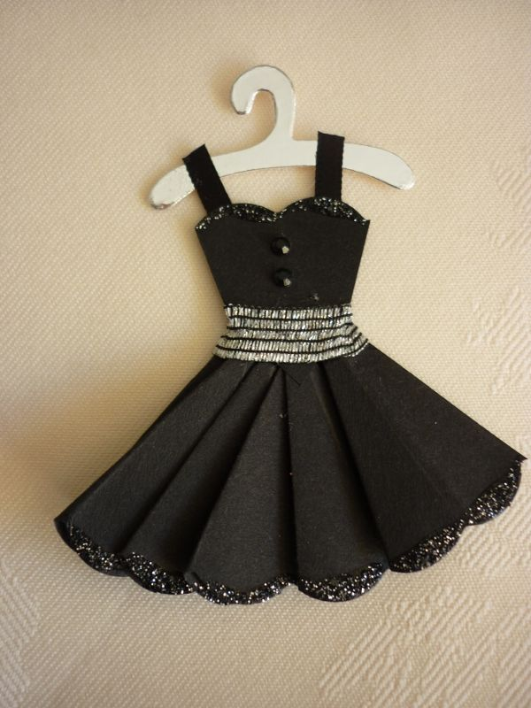 PIC ONLY... Scallop Circle Dress