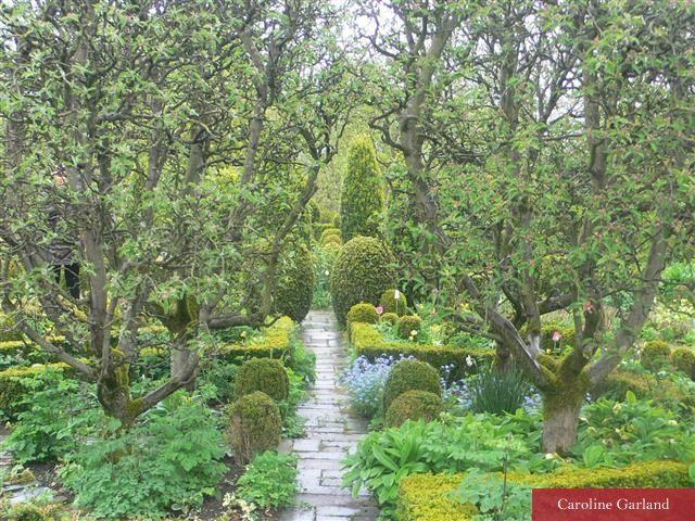 Les 25 meilleures id es de la cat gorie jardins barnsley for Jardins anglais celebres