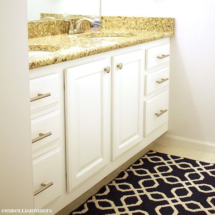 How to Prep and Paint Kitchen Cabinets in 2020   Painting ...