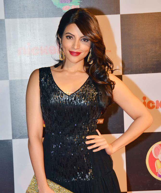 Shama Sikander at the Kids Choice Awards 2016 in Mumbai. #Bollywood #Fashion #Style #Beauty #Hot #Sexy