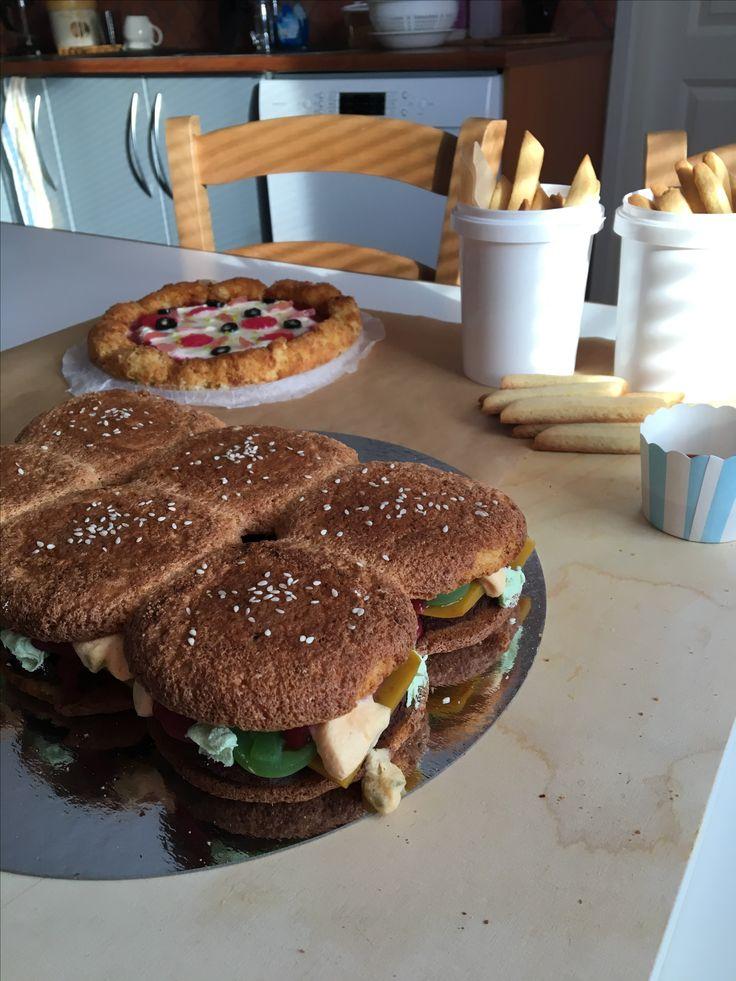 Hamburger and pizza cakes + dessert fries
