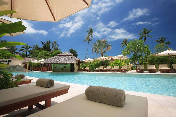 Le offerte volo + hotel delle agenzie di viaggio online garantiscono risparmi considerevoli anche su location di alto livello.