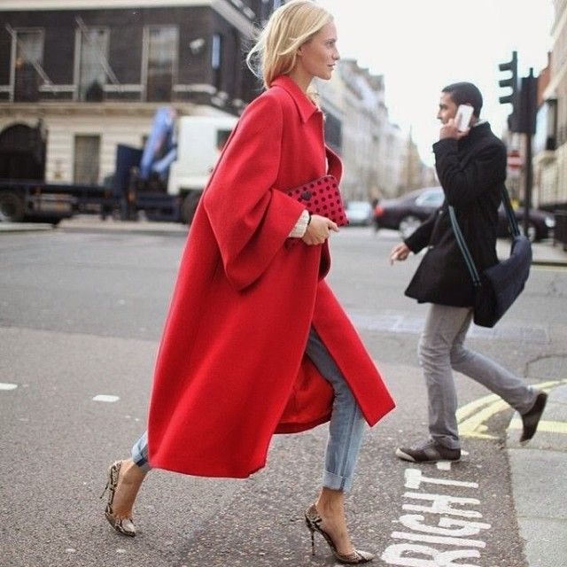 """@Liz Southall's photo: """"This crazy rain has me dreaming of cozy coats ~ head over to lateafternoonblog.com for more #streetstyle inspiration"""""""