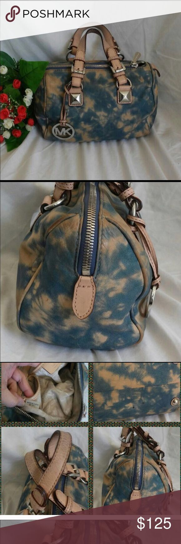 """Rare Michael Kors Purse Small """"leather like"""" feel purse. Good condition, only thing wrong is one of the bottom legs fell off. You can't tell unless you look at the bottom. Super cute and simple! Michael Kors Bags Satchels"""