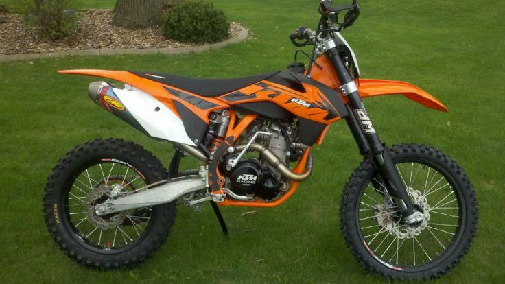 KTM 525 EXC. Basically my cousin's bike...except his doesn't run right now...and might not for the foreseeable future.