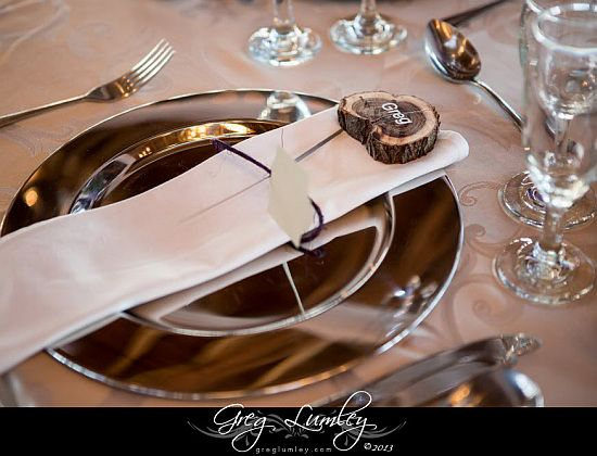 Very natural and stylish table setting. Photo by #GregLumley, South Africa