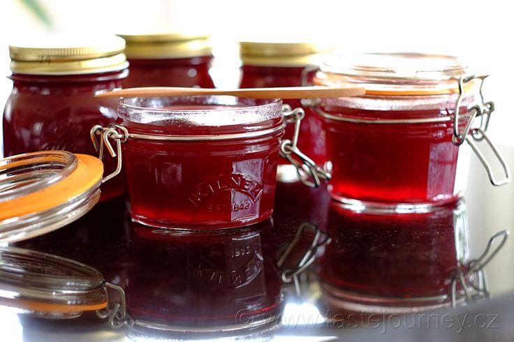 Myslím na Vánoce! Mít připravený rybízový džem na linecké cukroví je úleva! WWW.tastejourney.cz