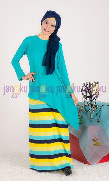 Busana muslim gamis tanpa lengan motif garis dengan bahan kaos yang nyaman di pakai