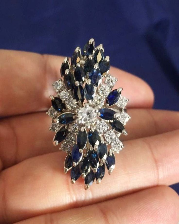 14K Vintage Large Diamond & Blue Sapphire Cluster Cocktail White Gold Ring