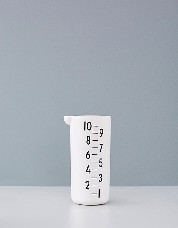Graphic gear for the kitchen - or a cool water jug! Made of melamine.