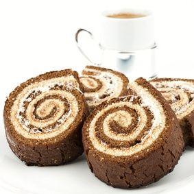 Lehký bezlepkový dezert, který můžeme podávat při slavnostnějších příležitostech. V létě je skvělý doplněný čerstvým ovocem, jako jsou maliny nebo jahody