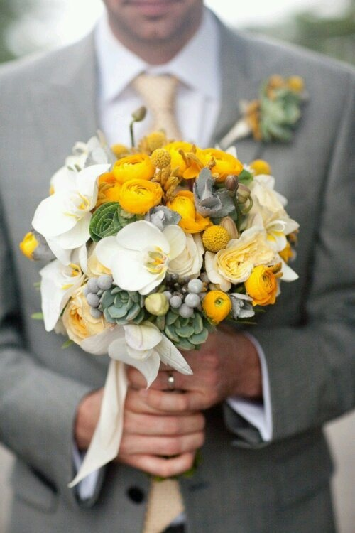 Yellow wedding bouquet | love this