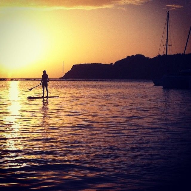 #sunset #paddleboard #antiguaviews #antiguaandbarbuda #lovebeachlife #beachlife #beach #caribbean #wintersun #daydreaming #dreaming #instapic #incredibleview