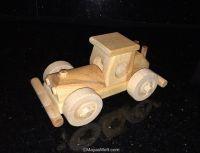 Auto Rennwagen Bugatti Retro von Bugatti ein toller Buggy im Rennwagendesign. Voll bewegliche Räder  Maße LxBxH: ca.14x7x7 cm ökologisches Holzspielzeug