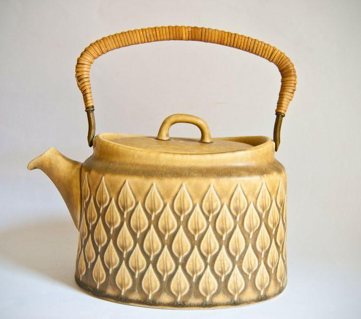 """Teapot """"Relief"""" (Jens Quistgaard for Kronjyden/Nissen)"""
