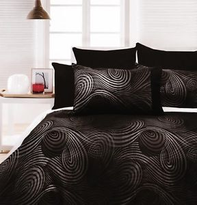 Gothic Bedding Sets | Swirls Quilt DOONA Duvet Cover Set ... | Apartm…