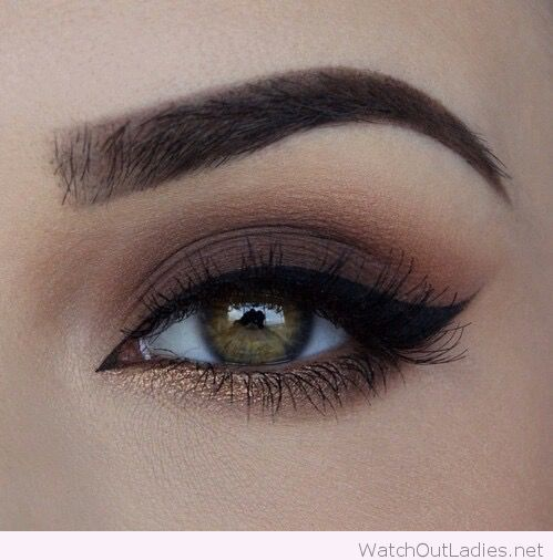 Perfect brown and bronze combination for an eye makeup