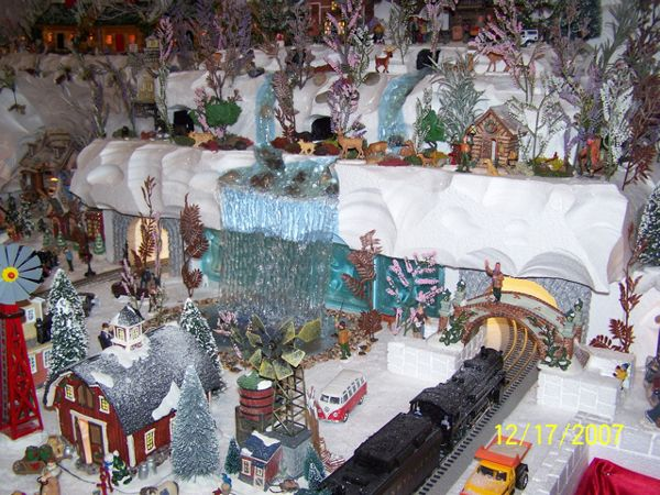 Best 25 diy christmas village platform ideas on pinterest diy a before and after of a department 56 christmas village display using foam and hot solutioingenieria Choice Image