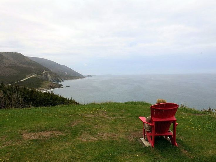 8 things to do in Nova Scotia Canada, from the Titanic museum to food and wine. There's golf and other fun stuff too.