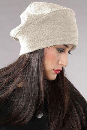 d4a545eab1 ШАПКА WILHELMA Красивая женская шапка с плиссировкой сзади и крупным  украшением. Дополнительно головной убор украшен кристаллами. Превосходный  модн…