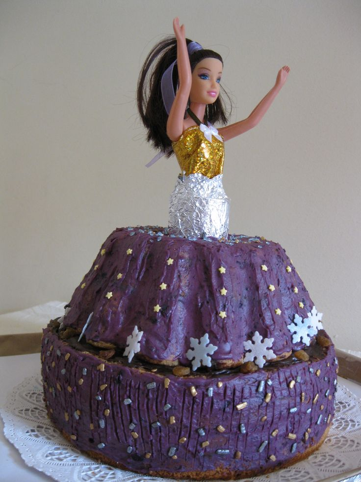 Barbie cake with blueberry and mascarpone