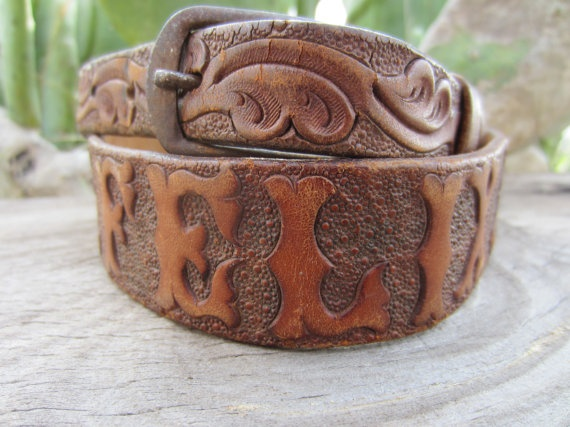 """50s/60s Hand Tooled Western Leather Belt Name """"Felix"""", 78-88 cm / 30-35 in"""
