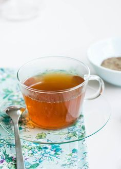 Learn to make herbal tea for allergies to relieve itchy eyes, sore throat and other effects of seasonal allergies from HelloNatural.co