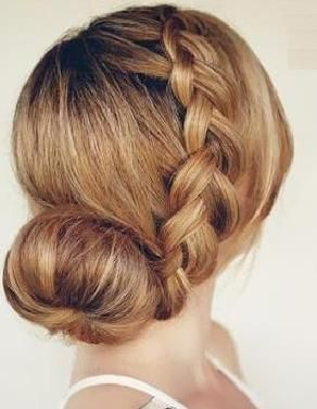 Pleasant 1000 Images About Hair Buns On Pinterest Top Bun Chignons And Hairstyle Inspiration Daily Dogsangcom