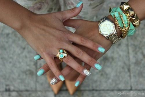 Turquoise nails and jewelry