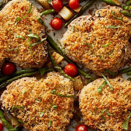Pork chops get a flavorful Italian spin alongside potatoes, green beans and tomatoes in this complete one-pan meal that's as delicious as it is easy to make...
