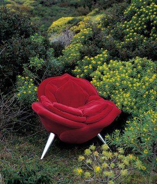 rose chair...very alice in wonderland
