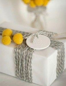 geschenkverpackung basteln mit gelben blumen
