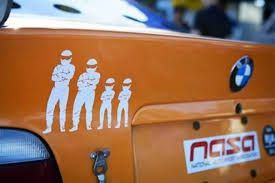 Αποτέλεσμα εικόνας για αυτοκολλητα αυτοκινητου με οικογενεια