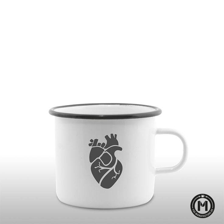 Anatomisches Herz Emaille Becher handgefertigt bei The Manufacture