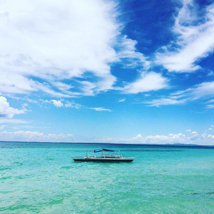 アジアの代表的なリゾート地として知られているフィリピンのセブ島。週末と数日あれば行けてしまう近さも魅力の一つでしょう。最近では英語の語学留学でも注目されてきています。今回はそんなセブ島や付近の島に数多くあるビーチの中から特に人気の美しいビーチを5つを紹介します!