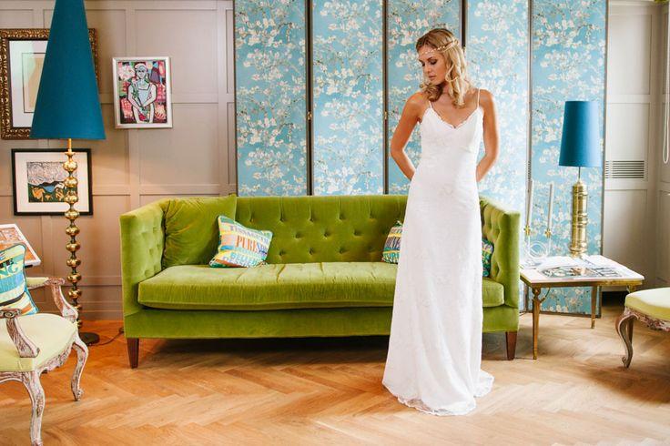 Unser Look ist schlicht, modern, romantisch & Vintage. Ob Standesamt, Kirche oder Strandhochzeit – bei uns findest du Brautkleider für jede Gelegenheit.
