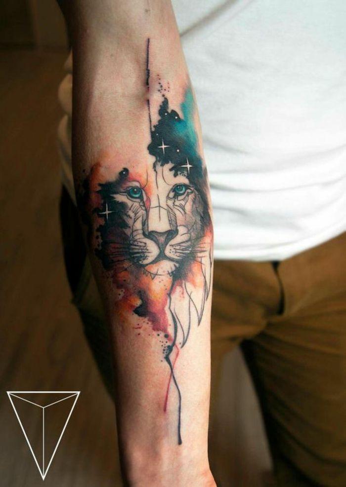 Beau tatouage lion doigt lion signification tatouage le roi lion moderne lion coloré