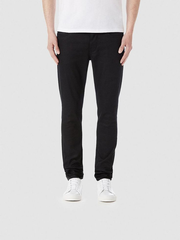 Indigo SELECTED Homme - Skinny fit - 94 % cotton, 4 % polyester, 2 % elastane - 5-pocket - Button fastening - Belt loops - Unwashed - Italian design - Stretch quality. The model is 189 cm. and wears a size 33/32.  These skinny fit jeans  are made from an unwashed, black denim  fabric. The jeans  havebeen crafted with stretch allowing them to look sharp and feel comfortable at the same time. Wi...