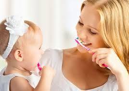 Quando e come lavare i denti ai bambini - Supermamma