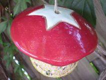 Meisenknödelhut aus Keramik - rot/weiß Stern