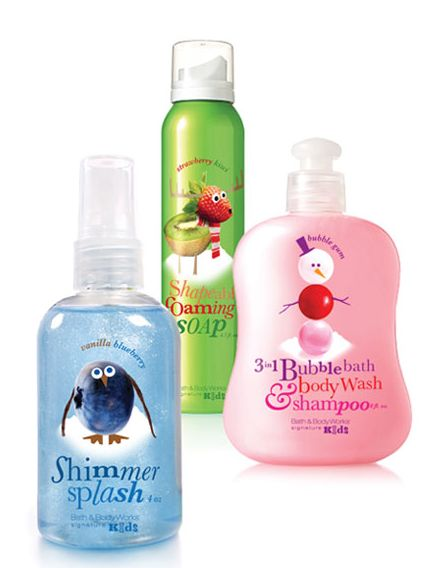 BATH AND BODY WORKS SIGNATURE KIDS CHRISTMAS TOILETRIES